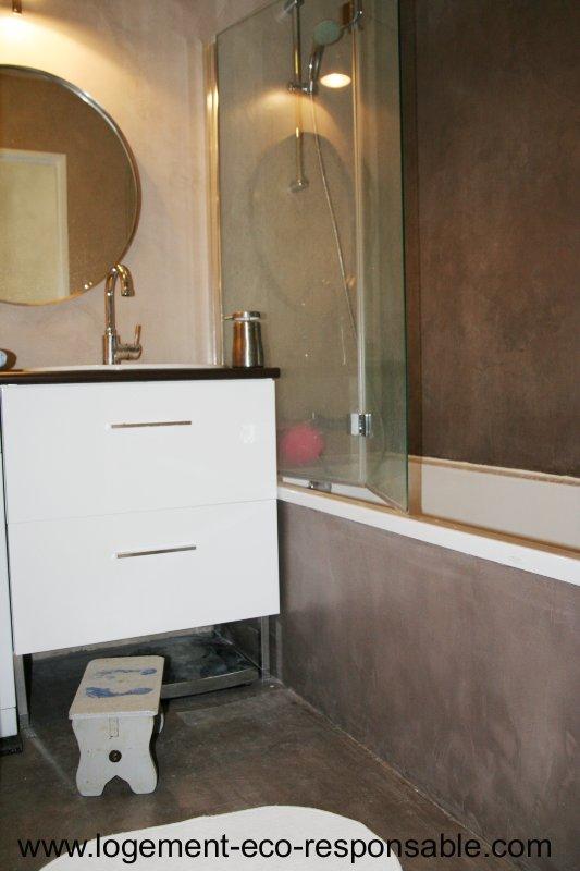 une nouvelle salle de bain tude de cas. Black Bedroom Furniture Sets. Home Design Ideas