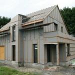 Les maisons en ossature bois montrent de très bonne performances énergétiques pour minimiser les besoin de chauffage en hiver