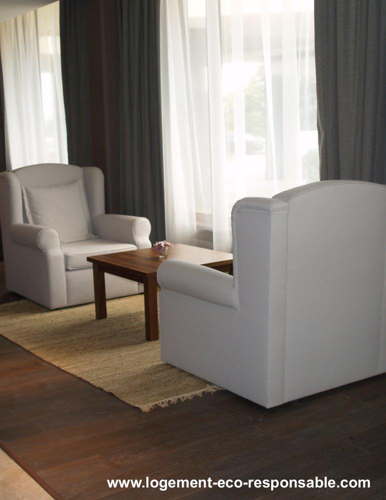 mur sans plinthe ou avec plinthe. Black Bedroom Furniture Sets. Home Design Ideas
